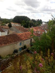 Vue sur les toits du Village de St-Savinien