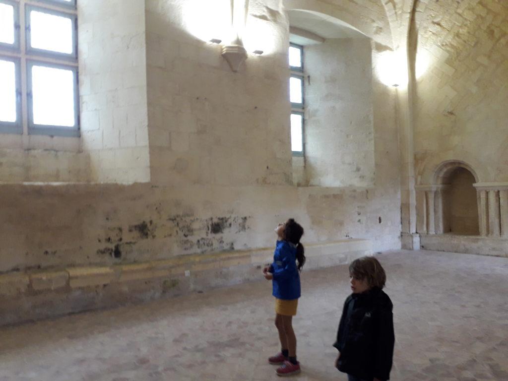 Salle du réfectoire de l'abbaye de Trizay