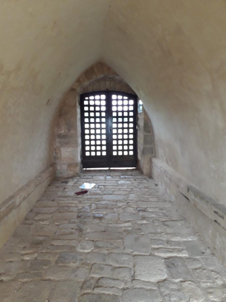 Passage à l'abbaye de Trizay