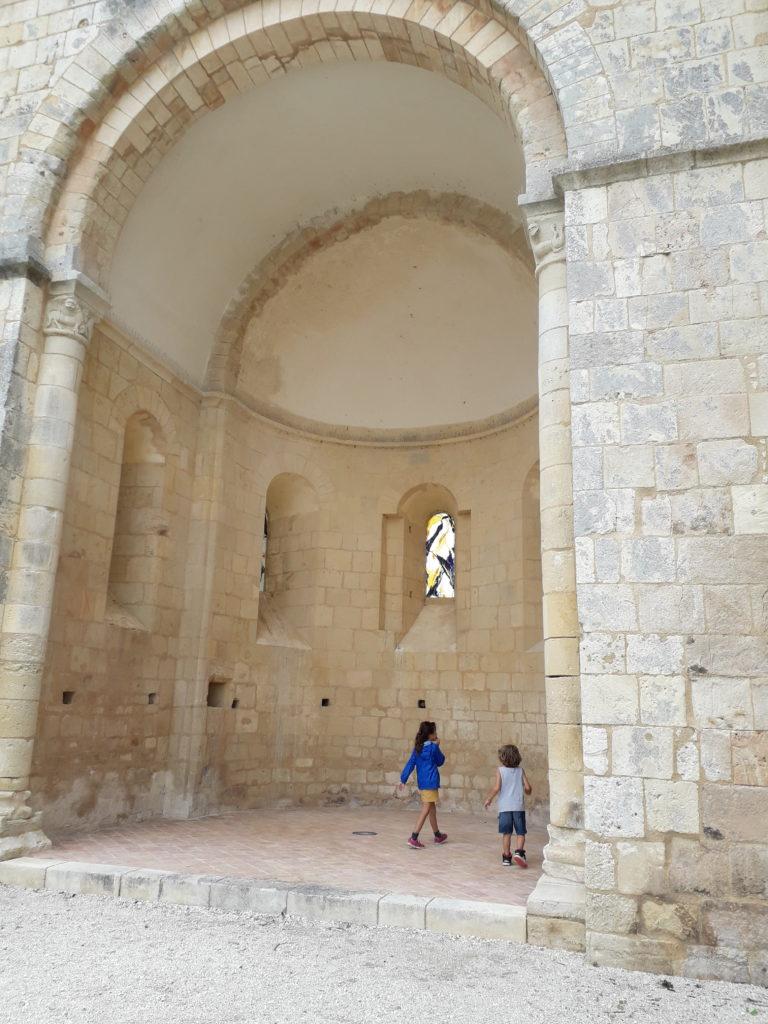 Absidiole de l'abbaye de Trizay