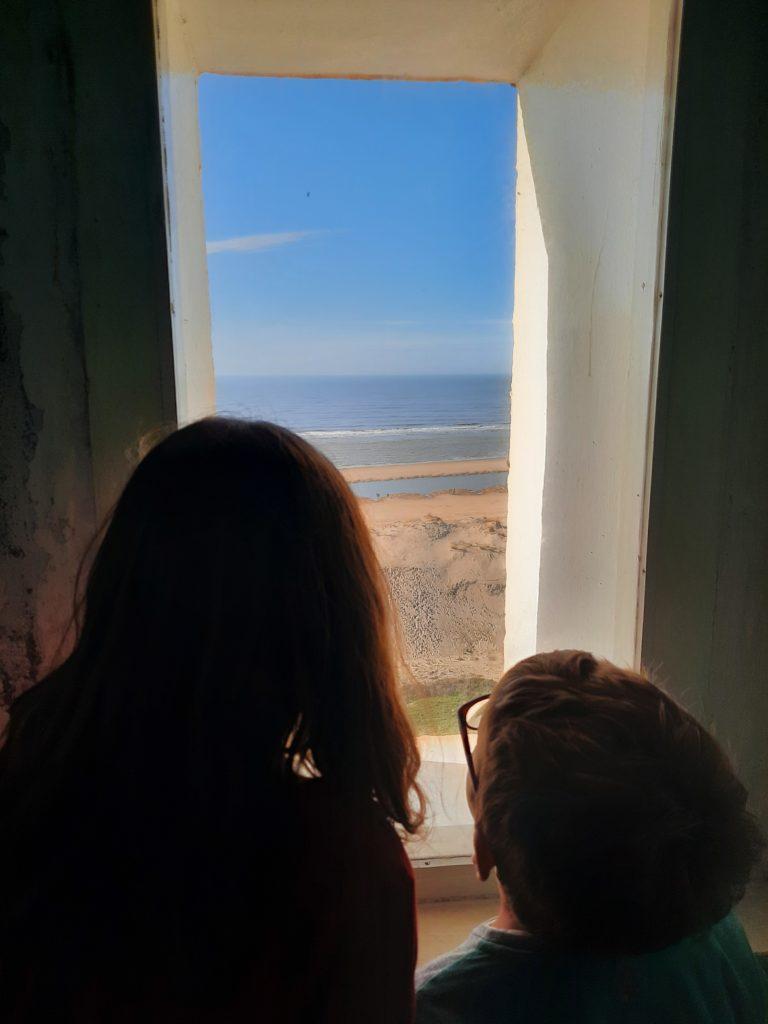 Fenêtre au phare de la Coubre à La Tremblade